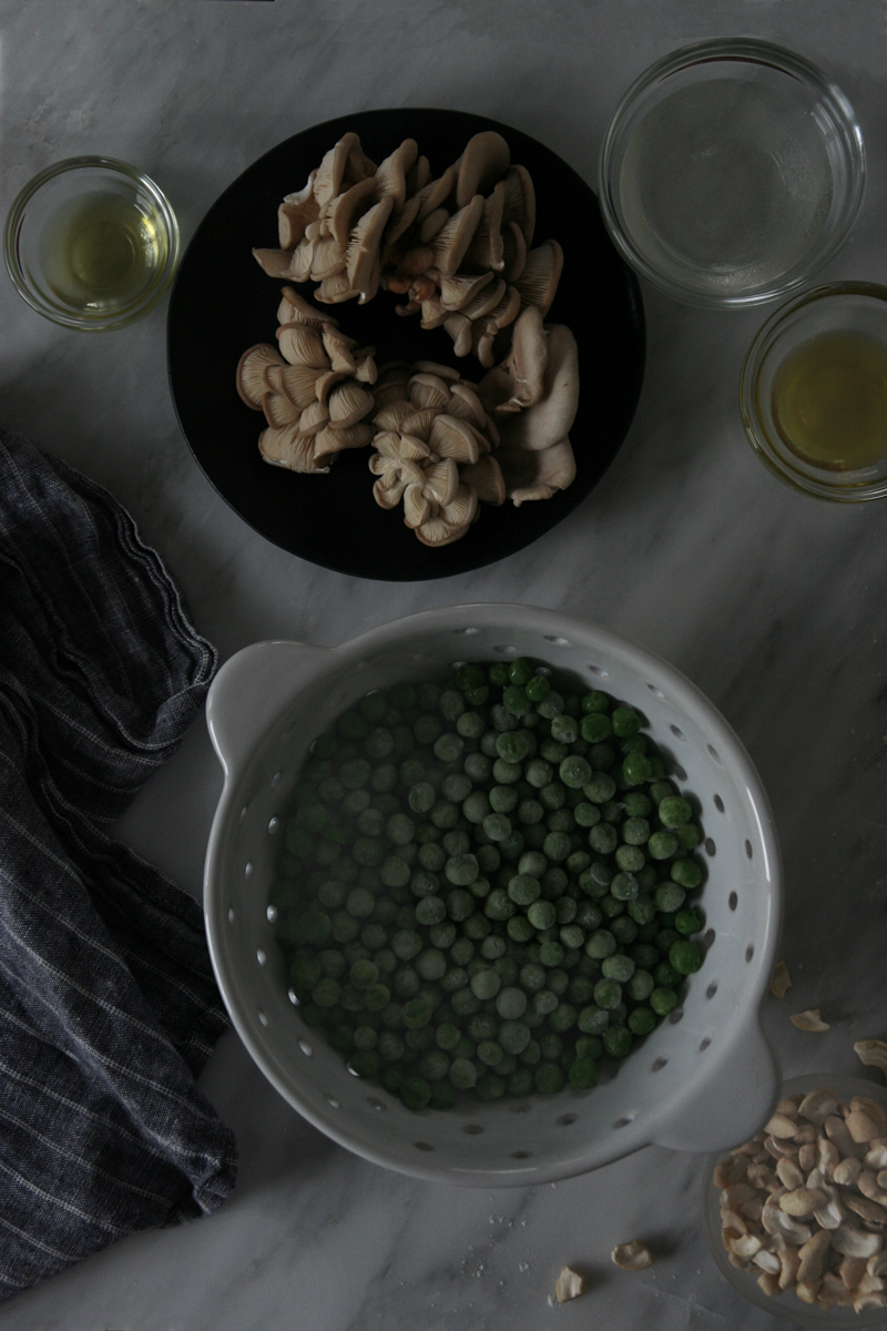 Gnocchi with Oyster Mushrooms & Sweet Peas (vegan)